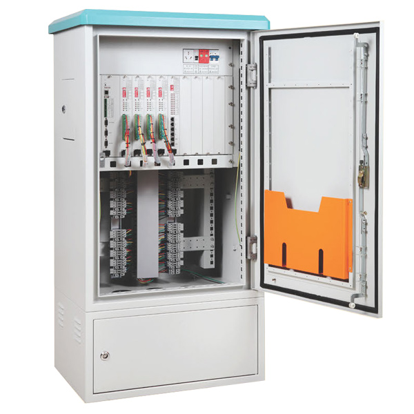 E100 Adaptive Coordinated Traffic Light Controller