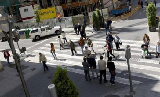Spanish Intelligent Zebra Crossing Realizes Traffic Light Conversion According to Pedestrian Flow
