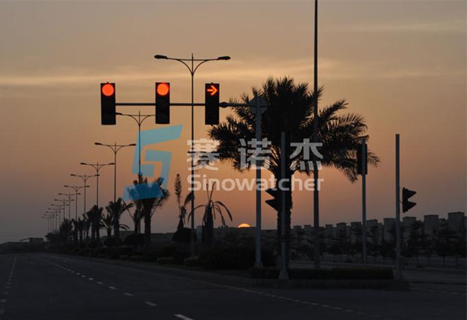 Smart Traffic Lights Make City Travel More Convenient